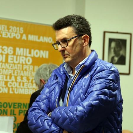 Paolo Micozzi, segretario cittadino del Pd, domenica sera nella sede di via Spalato