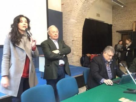 Il sindaco di Porto Recanati Sabrina Montali con Dario Gattafoni, presidente dell'Ordine dei giornalisti delle Marche
