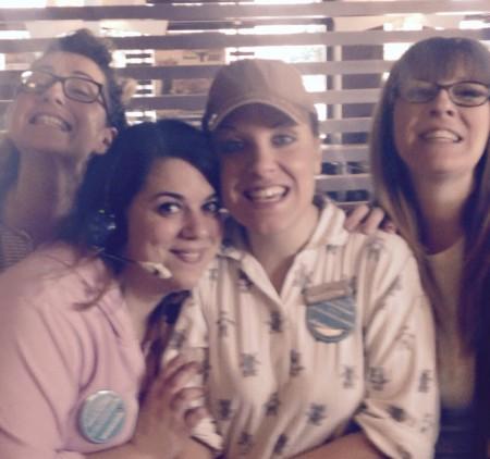 ragazze in pigiama ieri al Mc Donald's di Corridonia