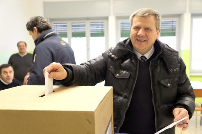 Giuliano Meschini ha votato alle 8,15 nel seggio di via Verdi