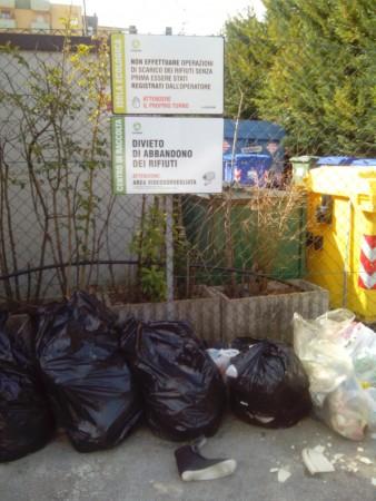 rifiuti abbandonati (1)