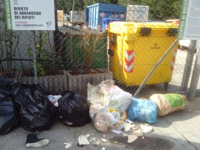 rifiuti abbandonati (3)