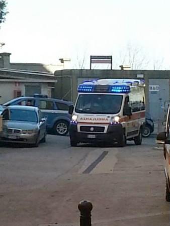L'arrivo dell'ambulanza al Salesi, scortata dalla polizia