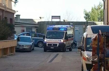 Un'ambulanza al Salesi (foto d'archivio)