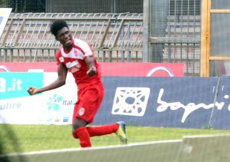 L'attaccante ivoriano della Maceratese Daniel Kouko