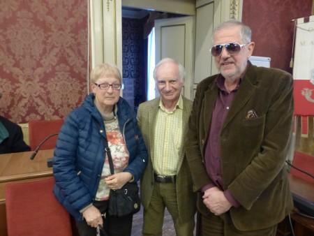 La professoressa Maria Candida Stella Troscè con Fernando Pallocchini e Maurizio Verdenelli