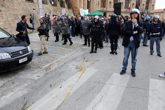 Matteo Salvini Macerata_ manifestanti_Foto LB (2)
