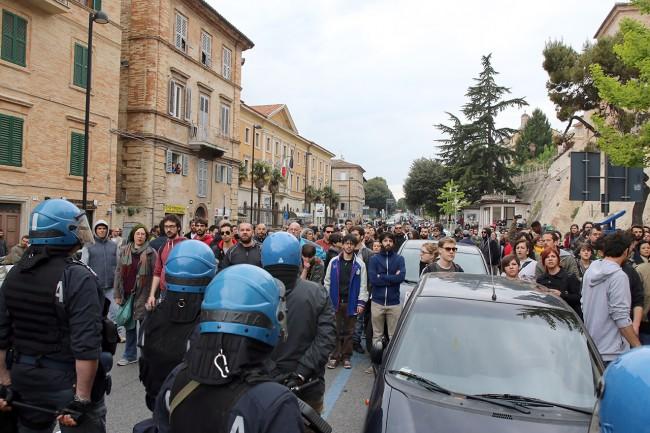 Matteo Salvini_Macerata manifestanti_Foto LB (10)