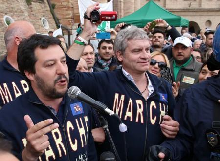 IL COMIZIO - Matteo Salvini con Luca Paolini, segretario regionale della Lega Nord