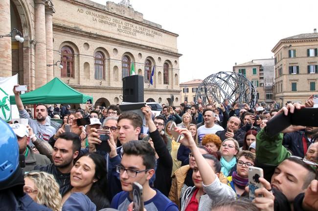 Simpattizanti arrivati per ascoltare Matteo Salvini