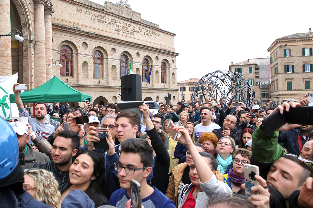 Matteo Salvini_Macerata manifestanti_Foto LB (5)
