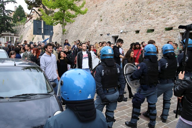 Matteo Salvini_Macerata manifestanti_Foto LB (8)