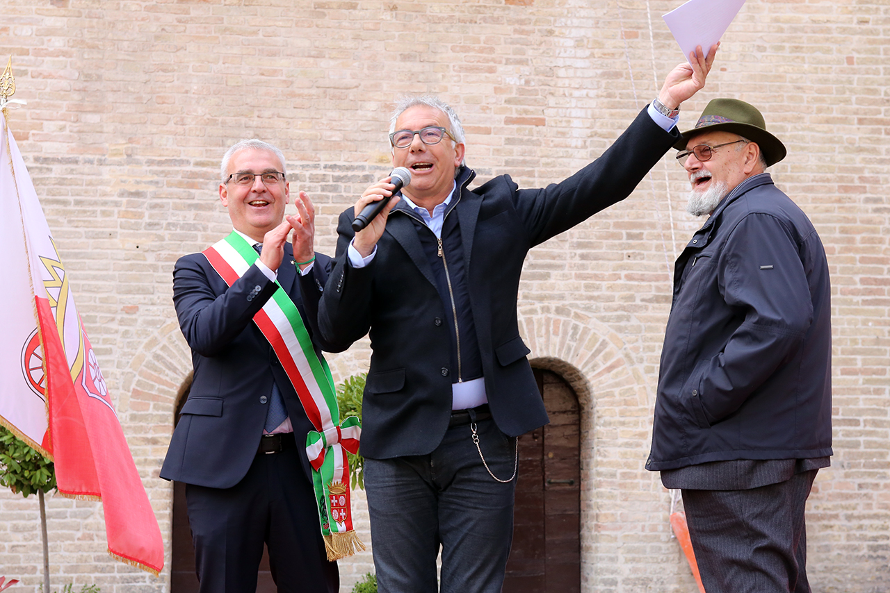 Romano Carancini_Alberto Gorla_Inaugurazione orologio planetario Macerata_Foto LB (2)