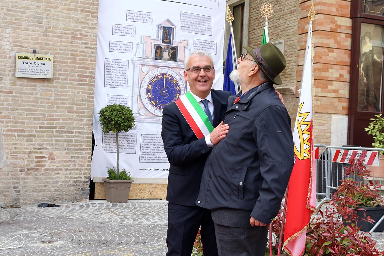 Romano Carancini_Alberto Gorla_Inaugurazione orologio planetario Macerata_Foto LB (4)