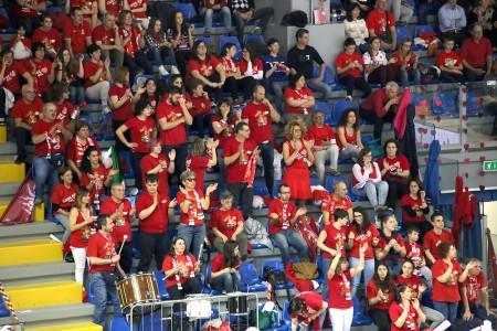 La tifoseria della Lube in una recente sfida all'Eurosuole Forum