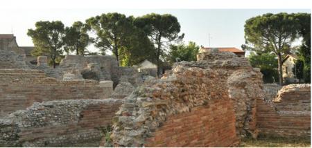 Il teatro romano Helvia Recina