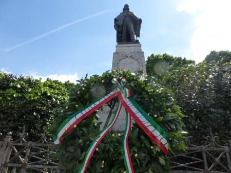 La statua di Garibaldi a Macerata