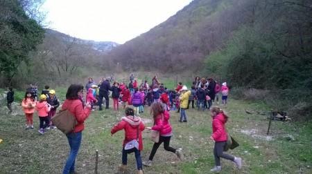 le operazioni di piantumazione degli alberelli in località fosso Cerreto4