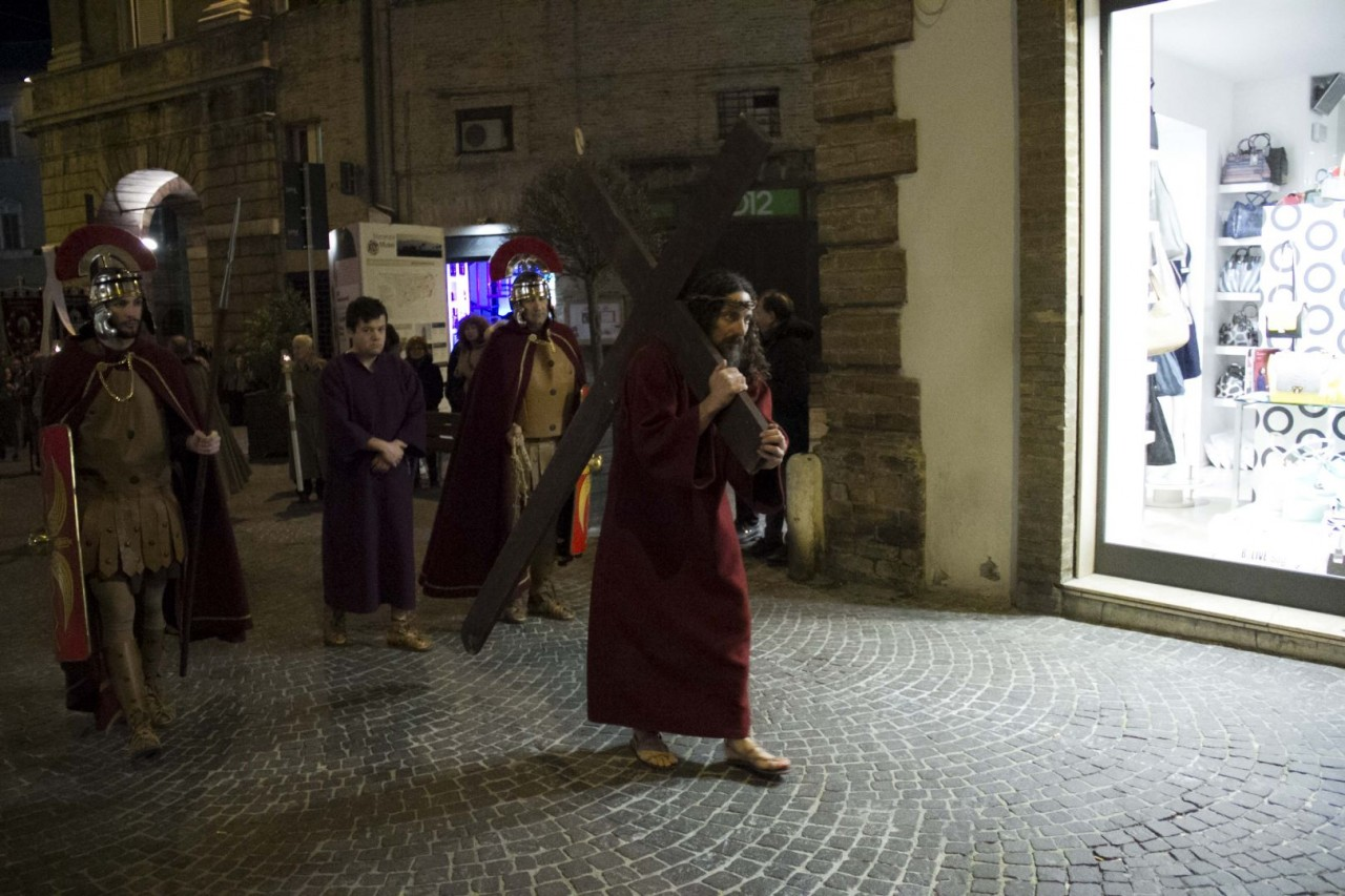 processione_venerdì_santo_macerata_2015 (4)