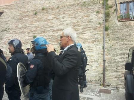 Luigi Zura allo Sferisterio durante il comizio di Matteo Salvini