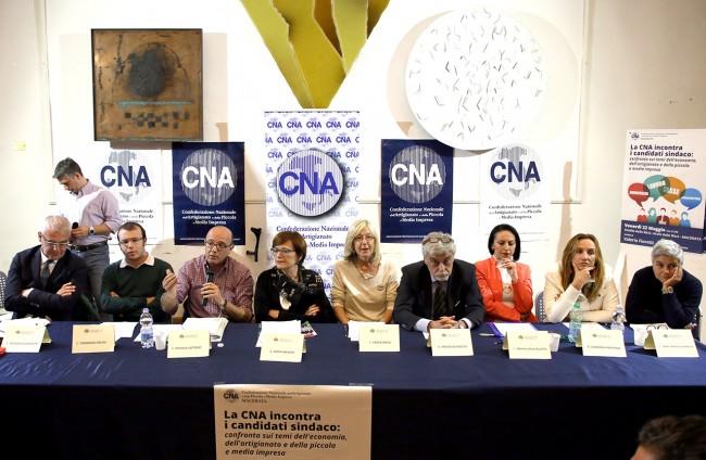 Confronto candidati sindaci Macerata_Foto LB (1)