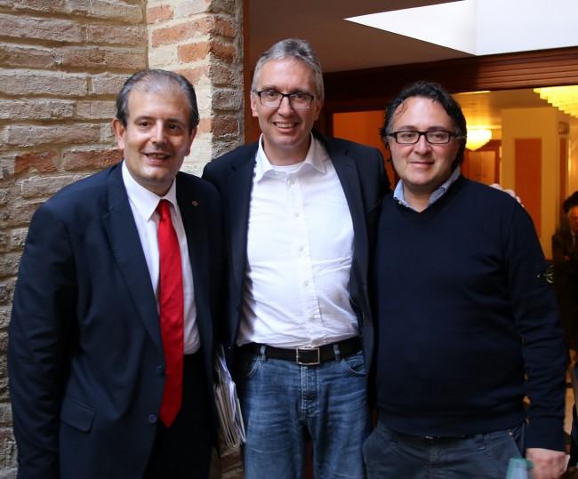 Luca Ceriscioli (al centro) con Ivo Costamagna e Massimiliano Bianchini