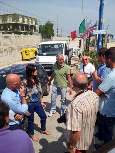 Da-sinistra-Daniele-Re-la-sindaco-Montali-il-consigliere-Giuliano-Paccamiccio-Rodolfo-Scalabroni-e-Claudio-Pini-di-Abat-allo-chalet-Mauro.