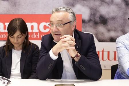 Debora Serracchiani conferenza sciapichetti 7