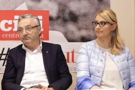Angelo Sciapichetti e Irene Manzi durante l'incontro di ieri del Pd con Debora Serracchiani