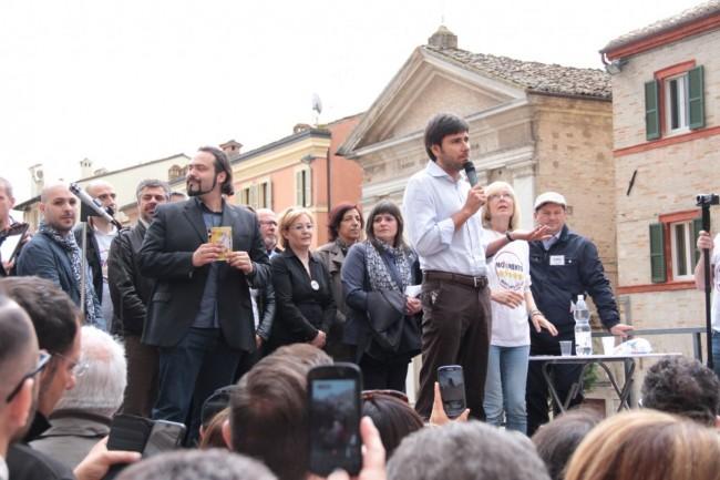 Di Battista Movimento 5 stelle piazza Mazzini 15