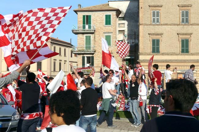 Festeggiamenti-Maceratese-Lega-Pro-Sferisterio_Foto-LB-8-650x433