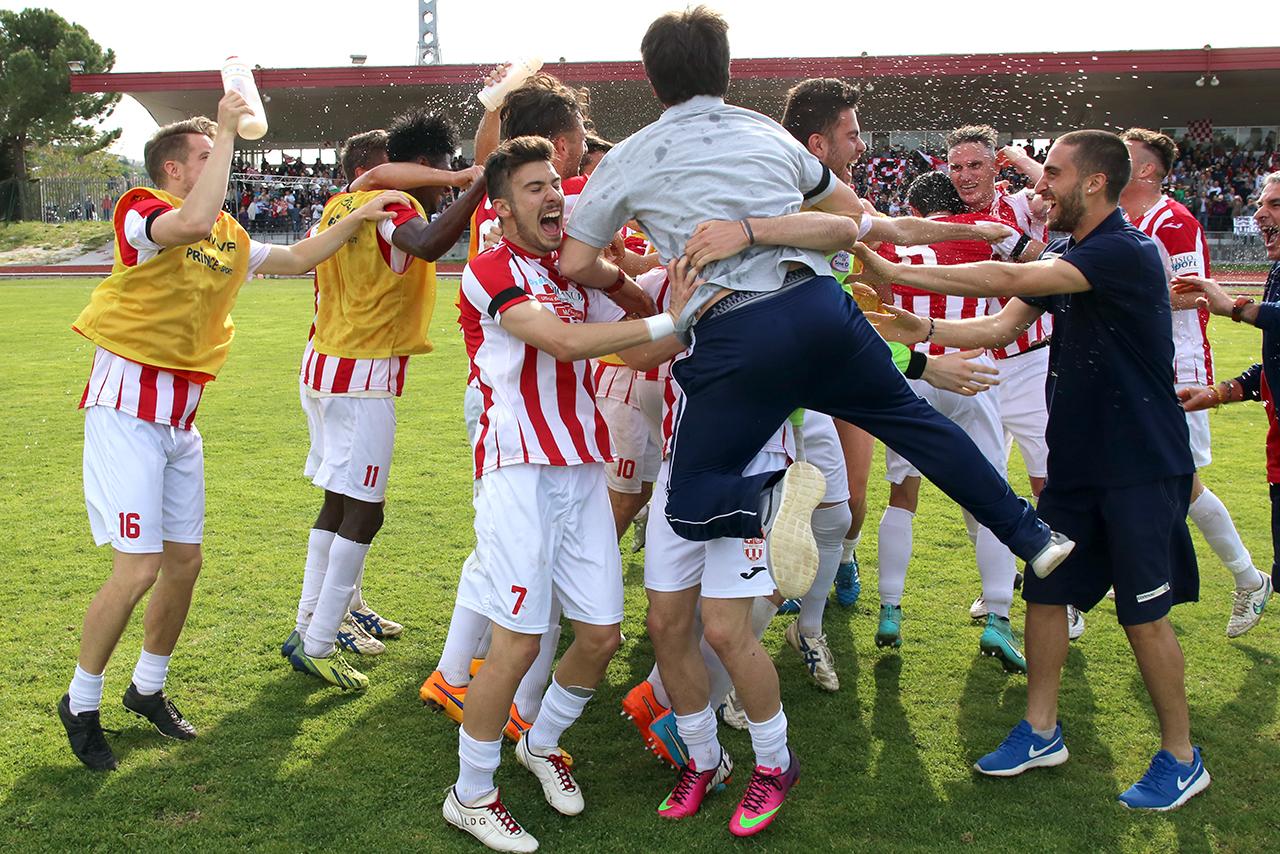 Festeggiamenti Maceratese Lega Pro_Foto LB (11)