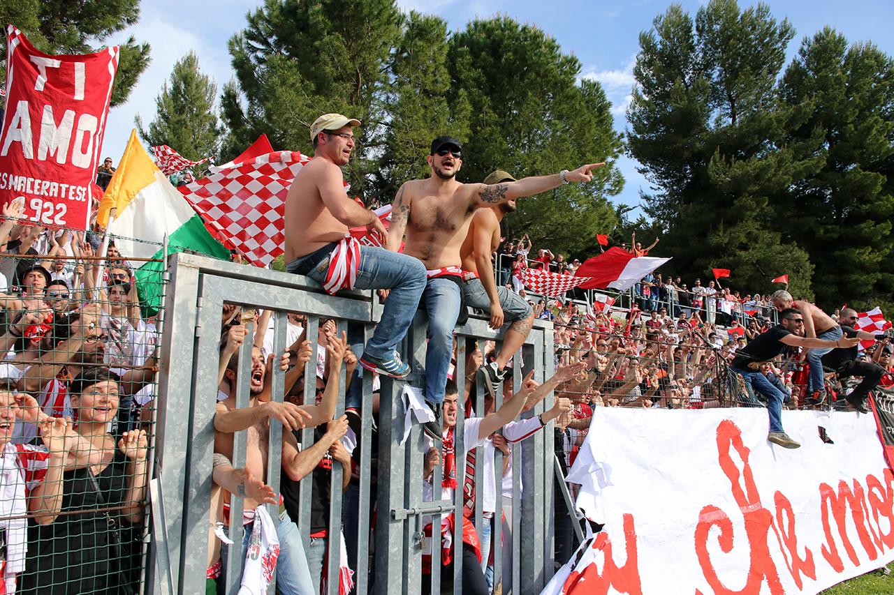 Festeggiamenti Maceratese Lega Pro_Foto LB (12)