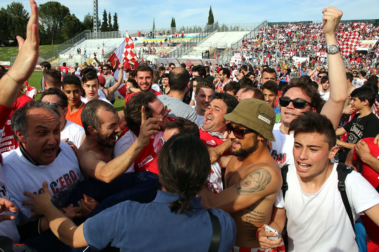 Festeggiamenti Maceratese Lega Pro_Foto LB (15)