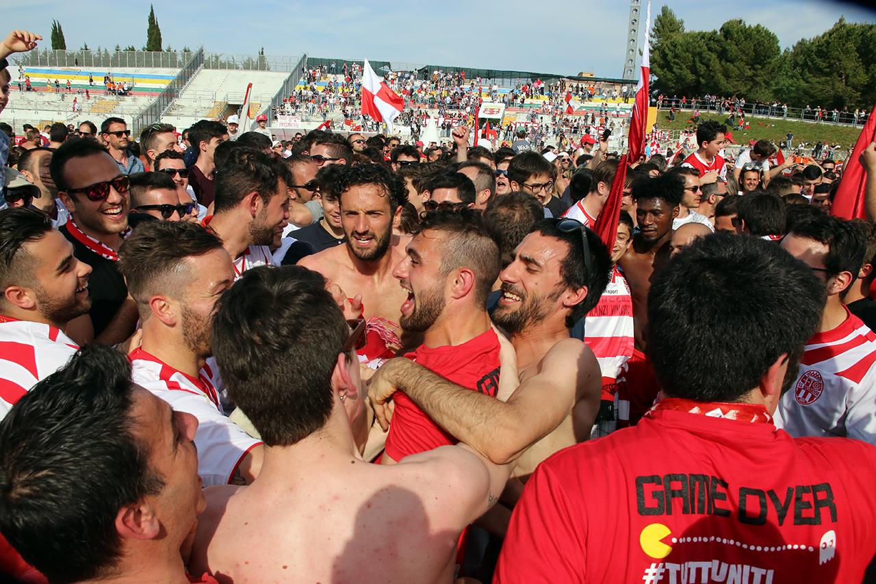 Festeggiamenti Maceratese Lega Pro_Foto LB (16)