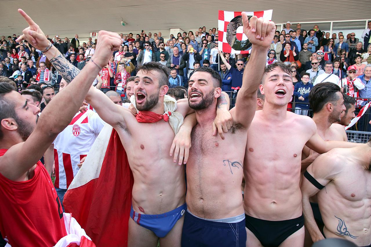 Festeggiamenti Maceratese Lega Pro_Foto LB (19)