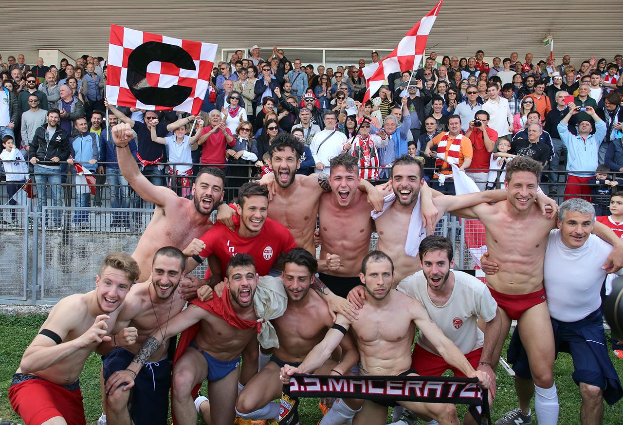 Festeggiamenti Maceratese Lega Pro_Foto LB (22)