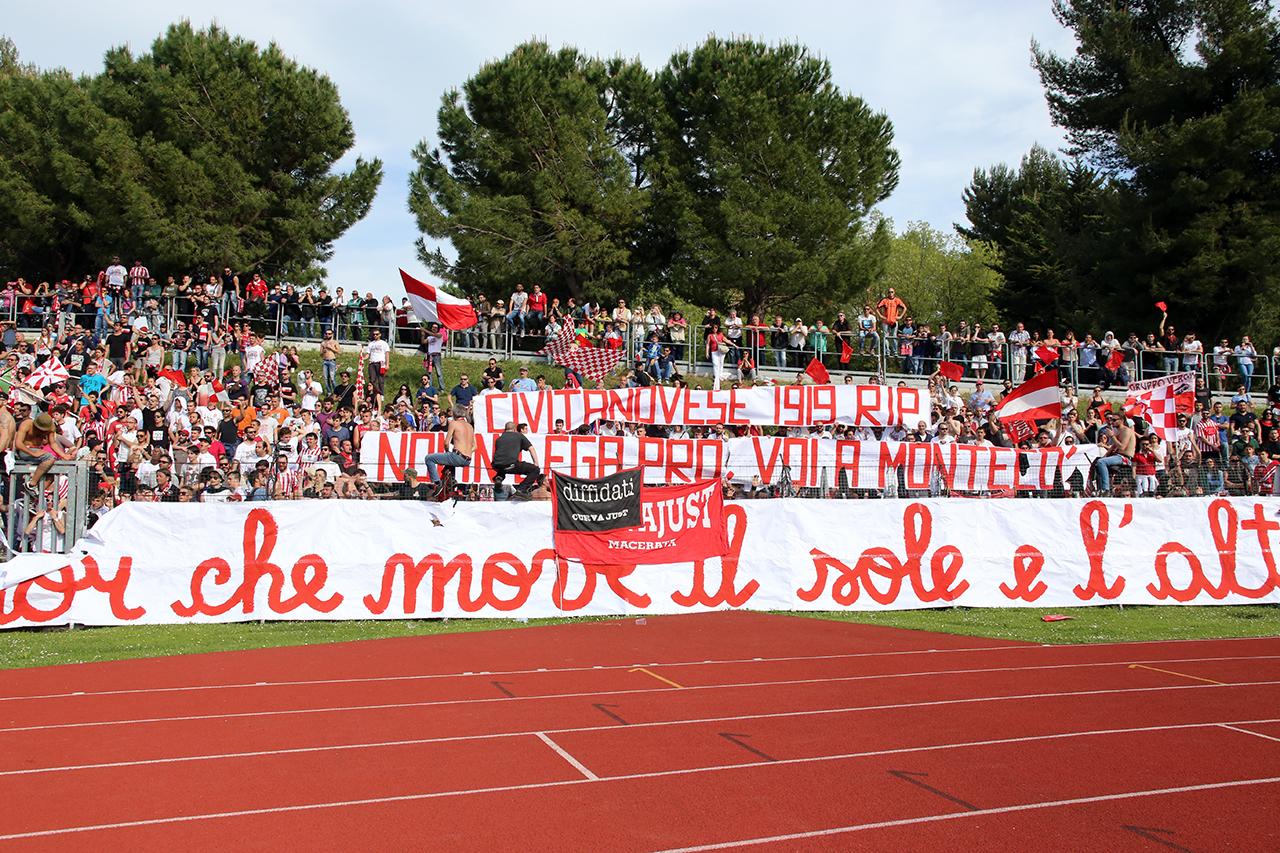 Festeggiamenti Maceratese Lega Pro_Foto LB (9)