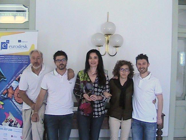 Foto di gruppo del sindaco Sabrina Montali, al centro, con, da sinistra, Giuliano Paccamiccio, Lorenzo Riccetti, Loredana Zoppi e Alessandro Palestrini