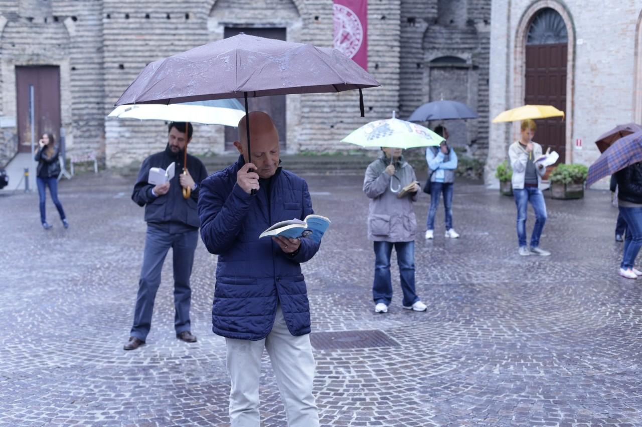 Italia svegliati: anche a Bari sono suonate le sveglie