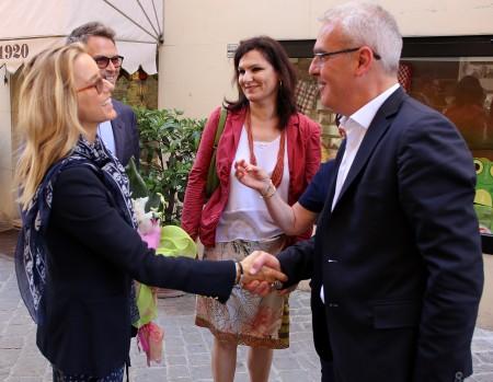 Tèa Leoni incontra il sindaco Carancini e l'assessore Monteverde in corso della Repubblica