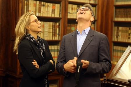 Tèa Leoni e il compagno Tim Daly alla biblioteca Mozzi Borgetti