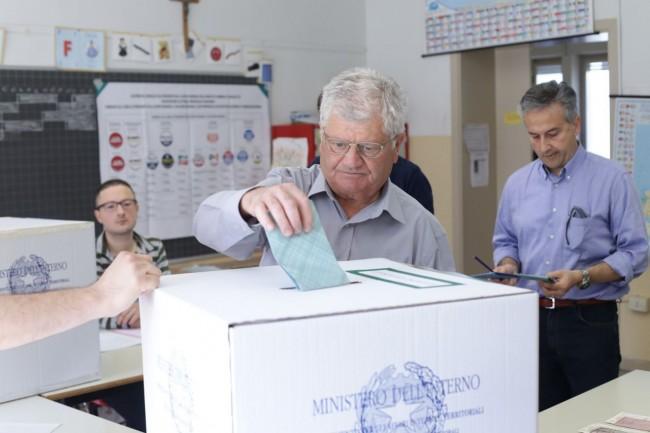 Votazione seggi candidati sindaco 2