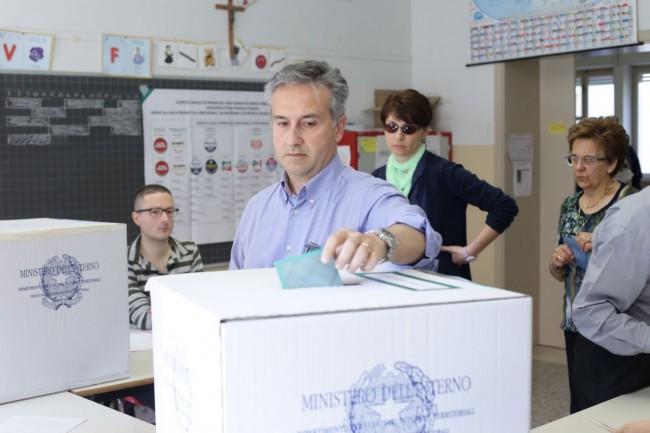 Votazione seggi candidati sindaco 3