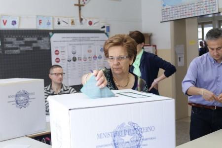 Votazione seggi candidati sindaco 4
