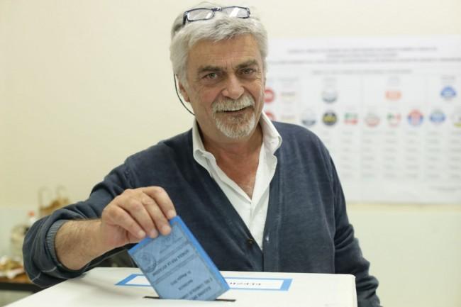 Votazione seggi candidati sindaco Maurizio Mosca 2