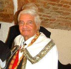 Carlo Carelli è un esponente dell'Ordine dei Cavalieri di Malta