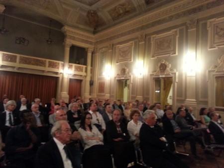 La sala de teatro della Filarmonica che ha ospitato l'incontro