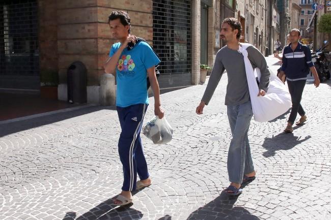 Afghani da Loro Piceno a Macerata foto LB (10)