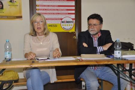Carla Messi oggi in conferenza stampa con l'avvocato Paolo Storani